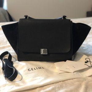 Authentic Céline Black Medium Trapeze ✨✨